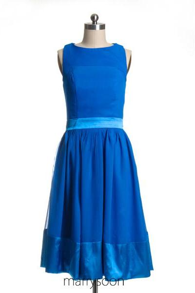 Bateau Neck Short Bridesmaid Dresses, Knee Length Royal Blue Junior Bridesmaid Dress With Boat Neck MD052