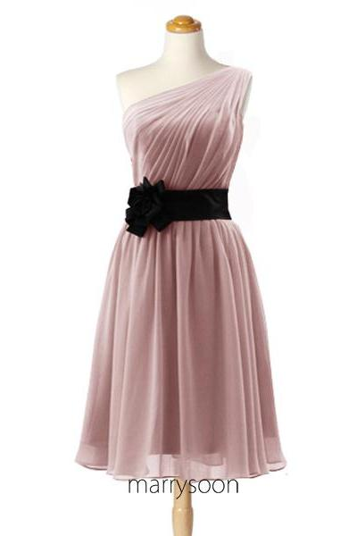 Dusty Rose One Shoulder Short Chiffon Bridesmaid Dresses, Pink Gray A-line Knee Length Bridesmaid Gown With Black Waistband MD084