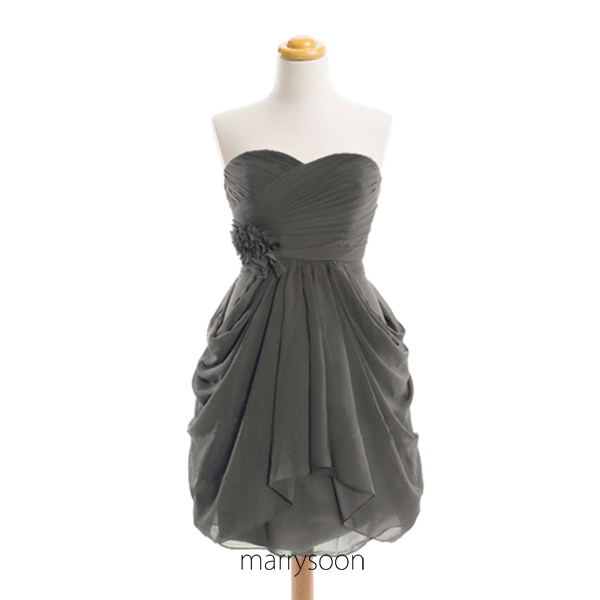 Charcoal Gray Sweetheart Neck Short Bridesmaid Dresses, Knee Length Dark Gray Bridesmaid Dress With Handmade Flower MD071